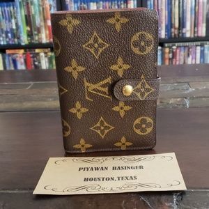 Authentic Louis Vuitton Kisslock Biofold Wallets